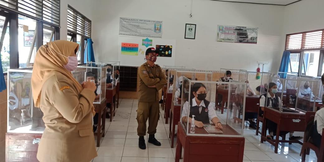 Satpol PP Kota Salatiga Sidak PTM di SMP Negeri 2 Salatiga