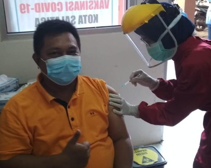 Seluruh Pendidik dan Karyawan SMP Negeri 2 Salatiga: Vaksinasi Covid-19 Ke-2